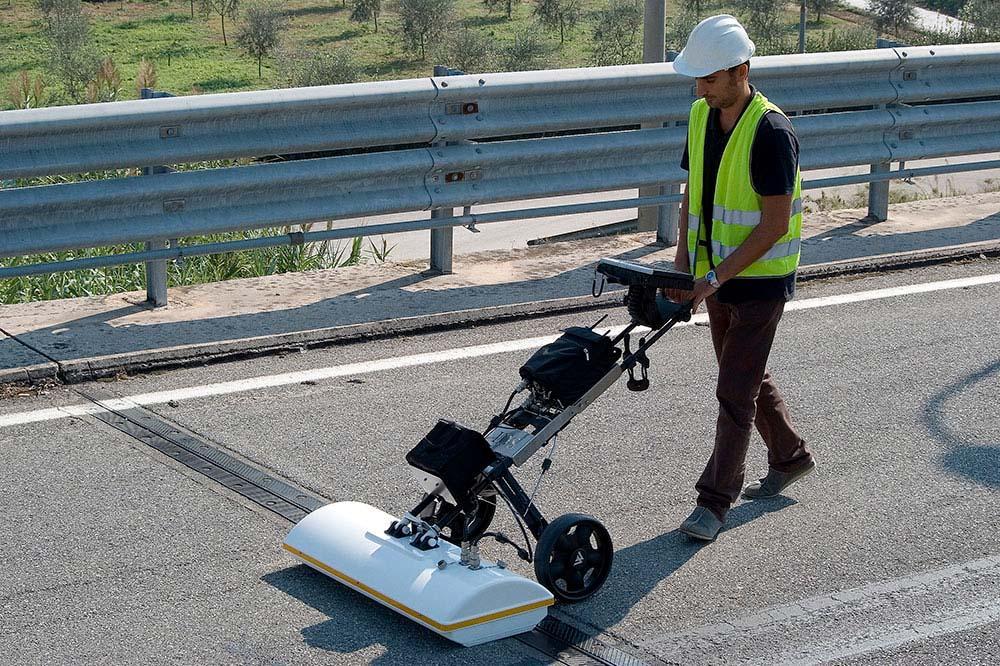 Georadar RIS Hi-Bright autostrada guard rail